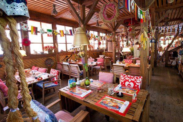 pivnoy-restoran-budvar-na-kotelnicheskoy-naberezhnoy_1aa23_full-37465